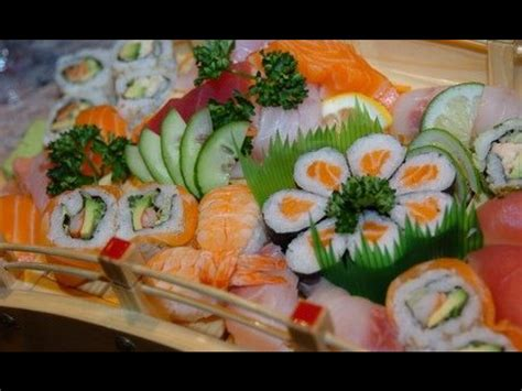 jeu de cuisine sushi sushi et maki dans la cuisine japonaise