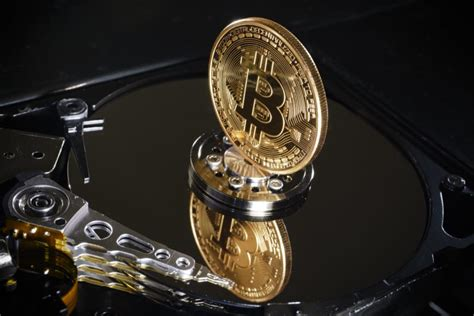 Bitcoin's total supply is limited by its software and will never exceed 21,000,000 coins. Bitcoin and the Stock Market: A Simple Investing Strategy - Foreign policy