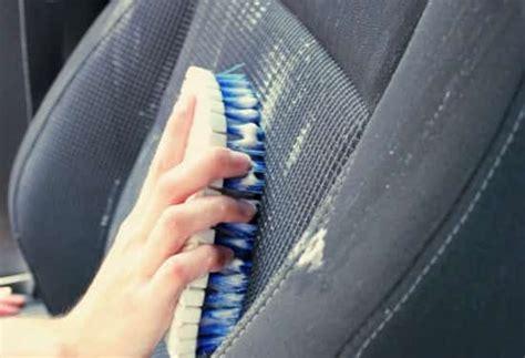 nettoyer siege voiture comment nettoyer facilement vos sièges de voiture