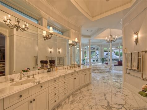 inspirational bedrooms million dollar master bathrooms