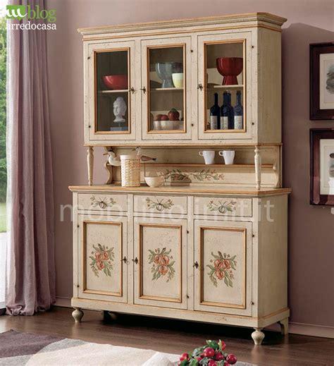 credenze stile provenzale come dipingere i mobili in stile provenzale m
