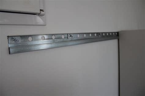 fixation meuble cuisine fixation meuble haut cuisine ikea metod image sur le design maison