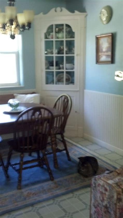 benjamin homestead green and linen white trim
