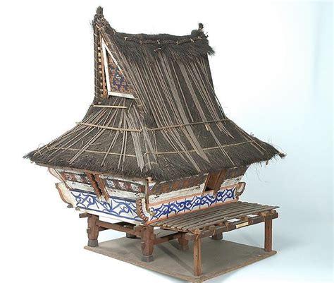 etnik  budaya indonesia bentuk rumah adat karo bag