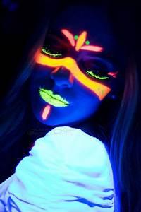 Maquillage Fluo Visage : neon by joana luis via 500px maquillage maquillage ~ Farleysfitness.com Idées de Décoration