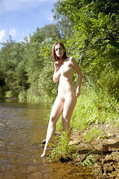 File Nude In Nature Wikimedia Commons