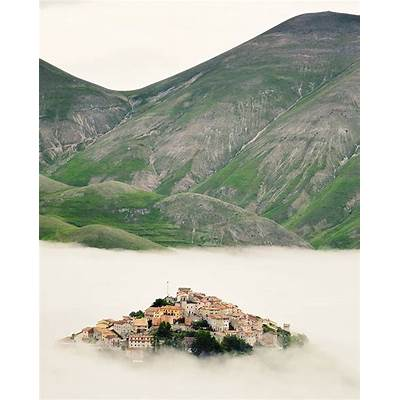 265 best Castelluccio di Norcia Umbria images on Pinterest