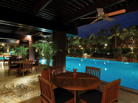 peninsula manila manila philippines hotel review conde nast traveler