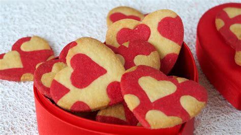 cuisine valentin sablés coeur à l 39 amande pour la valentin dans la