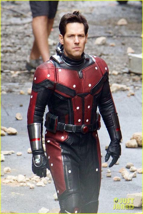filtracion de imagenes del set de avengers   el capitan america en su viejo traje enciende