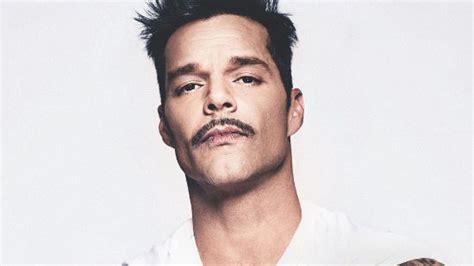 Ricky Martin Entrega Ayuda En Víveres En Puerto Rico