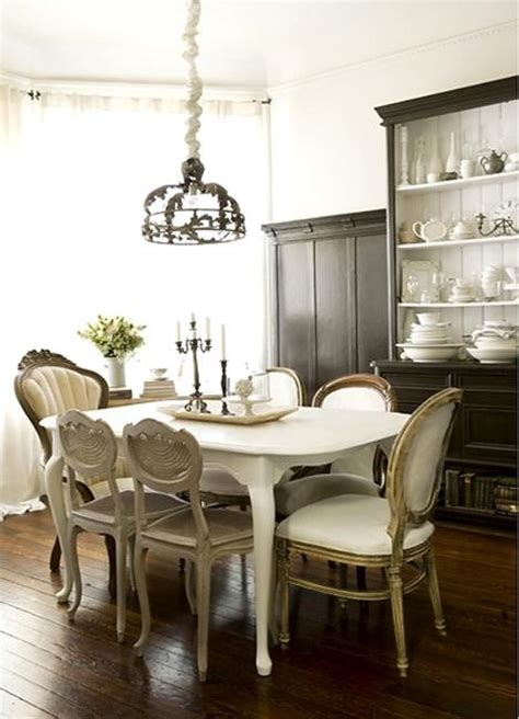 Dining Room Furniture Ideas by 25 Ideas For Classic Dining Room Decorating With Vintage