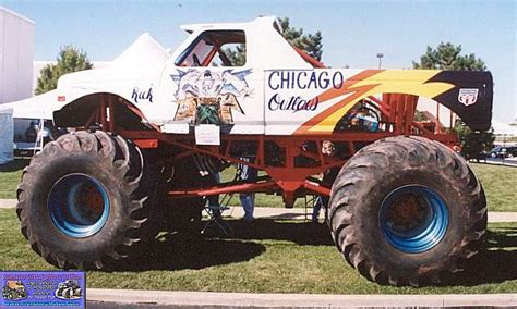 chicago monster truck show chicago outlaw monster trucks wiki fandom powered by wikia