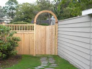 Image of: Wood Fence Design Backyard Wood Fence Design Fea Some Collections Of Wood Fence Designs And How To Build It