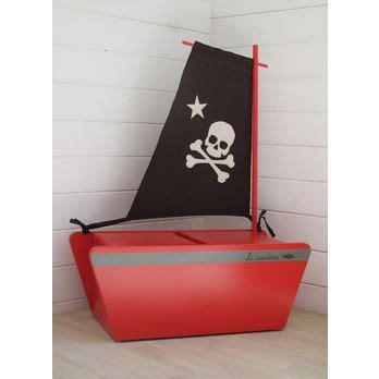 chambre bateau pirate les 25 meilleures idées de la catégorie lit de bateau de