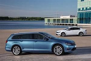 Volkswagen Passat Gte : volkswagen passat variant gte 2015 2016 2017 autoevolution ~ Medecine-chirurgie-esthetiques.com Avis de Voitures