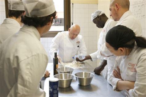 formation courte cuisine thierry marx crée une formation gratuite et qualifiante