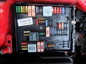 Engine Bay Fuse Box    Please Help
