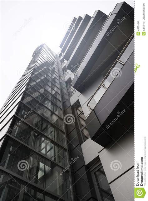 tour de bureau avec l ascenseur ext 233 rieur photo stock