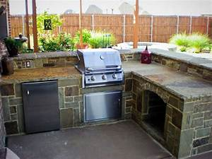 Diy outdoor kitchen island designs for Diy outdoor kitchen ideas