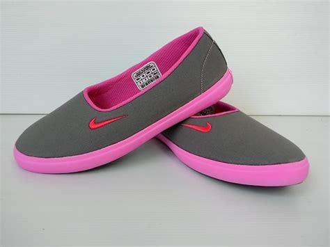 Model Sepatu Pantai Wanita sepatu nike original untuk wanita