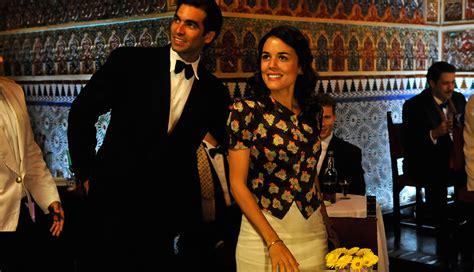 el tiempo entre costuras latino tv series  esp