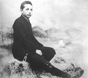 Scientist Albert Einstein Rare Childhood Pics - MERE PIX