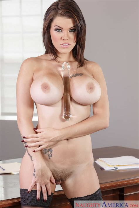 Big Titted Brunette Got Fucked At Work Photos Peta Jensen