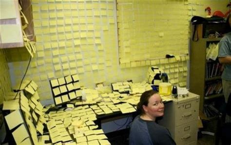 mettre un post it sur le bureau 7 astuces pour être le moins productif possible au travail