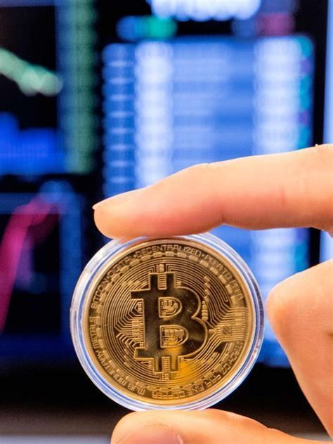 Bitcoin's price has historically risen towards. Bitcoin sell-off deepens, digital currency now down 50% from recent peak as Dow closes above ...