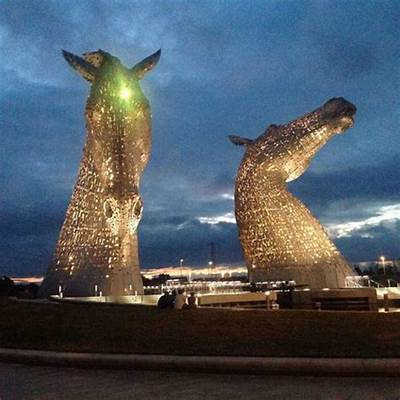 The Kelpies at night - Picture of & Helix