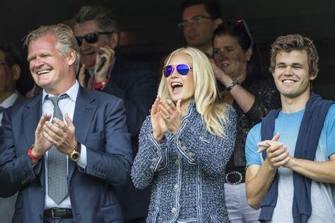 Hermine midelfarts (t.h.) fritidseiendom på tjøme har vært i hardt vær de siste åra. Meet Celina Midelfart, the Glamorous Norwegian ...
