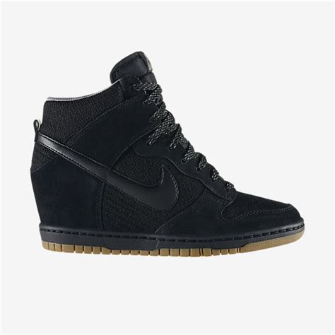 nike  ladies sports shoes sneakers boots joggers collection galstylescom