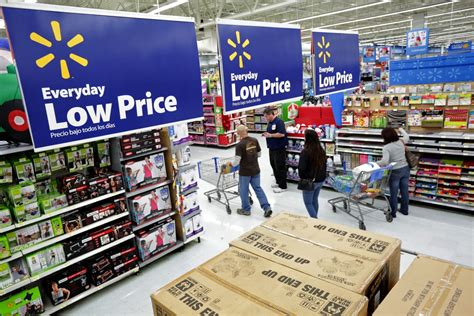 christmas sales retail shops extend offers