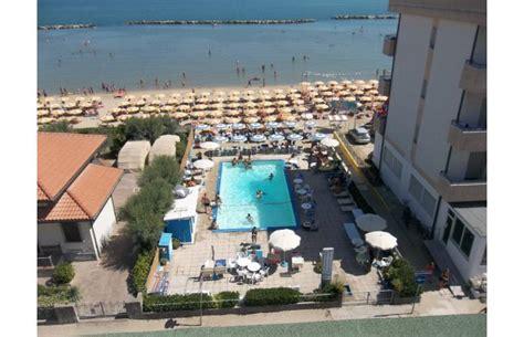 offerte appartamenti mare offerte vacanze residence appartamenti sul mare con