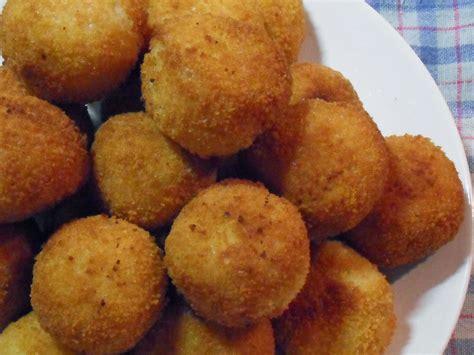 cuisine sicilienne arancini arancini boulettes de riz italiennes à découvrir