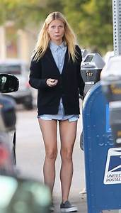 Gwyneth Paltrow shows off amazing legs in tiny shorts as ...