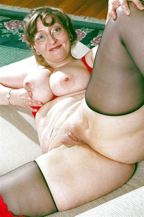 Thick Old White Lady I Would Fuck 2 pics