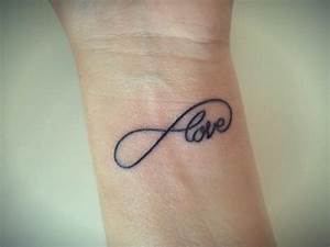 Tatouage Amour éternel : quelle est la signification des tatouages d 39 infini ~ Melissatoandfro.com Idées de Décoration
