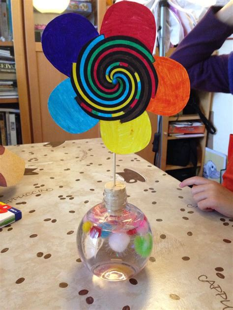 bricolage simple et rapide fleur myst 233 rieuse activit 233 enfant fabriquer une roue sur les illusions d optique bricolage