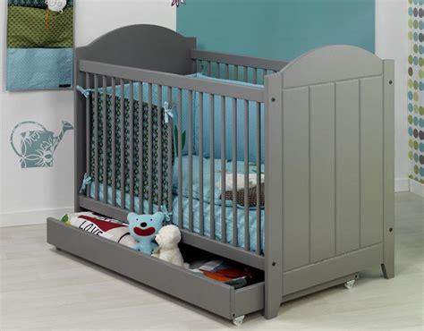 chambre de b b jumeaux chambre jumeaux bébés jumeaux co le site des parents