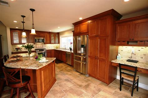 what color paint goes with what color granite goes with natural cherry cabinets
