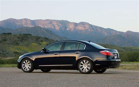 2011 hyundai genesis sedan 4 6 editors notebook automobile magazine