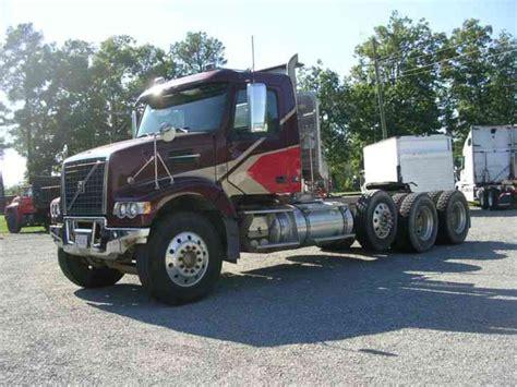 volvo heavy trucks for volvo vhd64 2009 daycab semi trucks