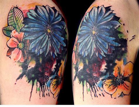 53 Adorable Vintage Flower Shoulder Tattoos