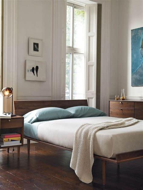 chic  trendy mid century modern bedroom designs digsdigs