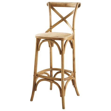 chaise haute en rotin chaise de bar en rotin et chêne tradition maisons du monde