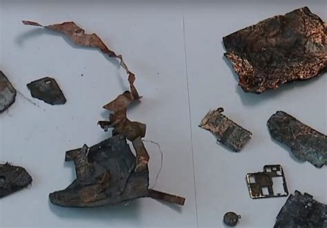 woman   samsung phone exploded started fire