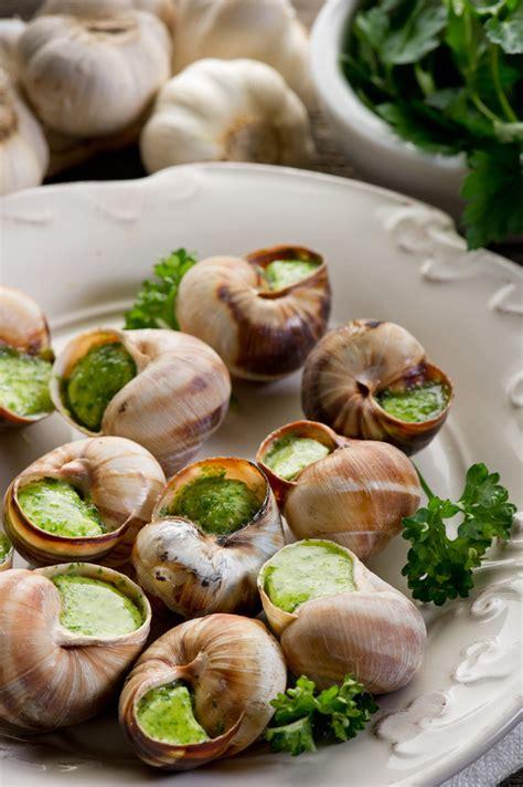 cuisine escargots escargots à la bourguignonne snails in garlic herb butter