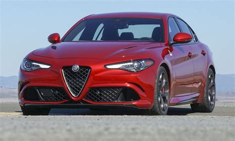 Alfa Romeo In America by Small And Midsize Luxury Car Sales In America March 2018